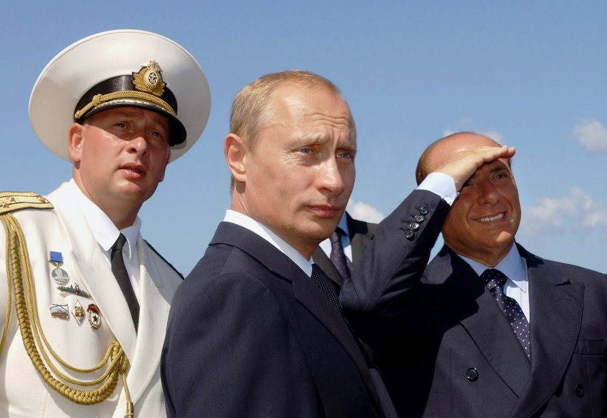 ITALIAN PREMIER BERLUSCONI AND RUSSIAN PRESIDENT PUTIN VISIT THE SHIP MOSKVA OFF SARDINIA.
